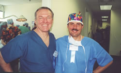 Live Surgery – Workshop, Orlando, USA, March 2002. Dr Bobby L. Limmer (USA), Dr Jerzy Kolasiński.