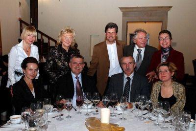 A formal dinner. Starting from the left: Elżbieta Kolasińska, Professor Danuta Pupek-Musialik, Dr. Jerzy Kolasiński, Professor Jerzy Woy-Wojciechowski, Dr. Katarzyna Rygiel, Professor Wanda Horst-Sikorska, Dr. Leszek Sikorski, Professor Maciej Kurpisz, Dr. Bożena Riedel.