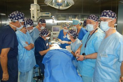 During a surgery – Dr. Ronald Shapiro (on the left)  and Dr. Vincenzo Gambino (on the right).