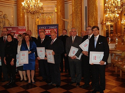 The winners of this year's WPROST weekly ranking. The first on the left –Jerzy Kolasiński, M.D.