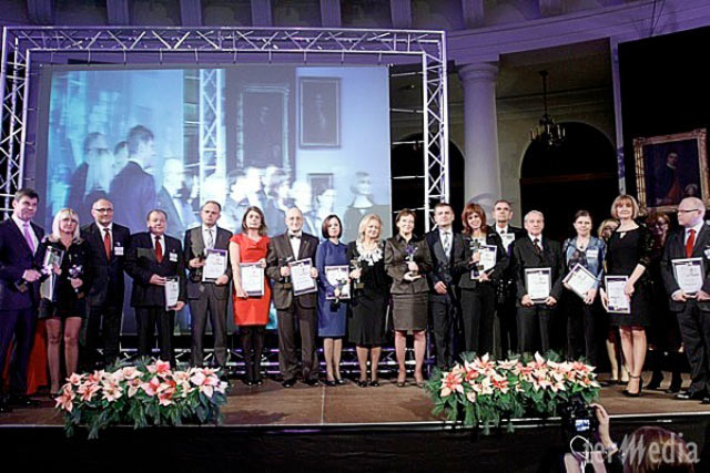 The Formal Gala of Health Protection Leaders of the Year 2011 in Porczynski Gallery in Warsaw (the first from the left Dr Jerzy Kolasinski, in the middle the Speaker of the Sejm Ewa Kopacz and Health Minister Bartosz Arłukowicz)